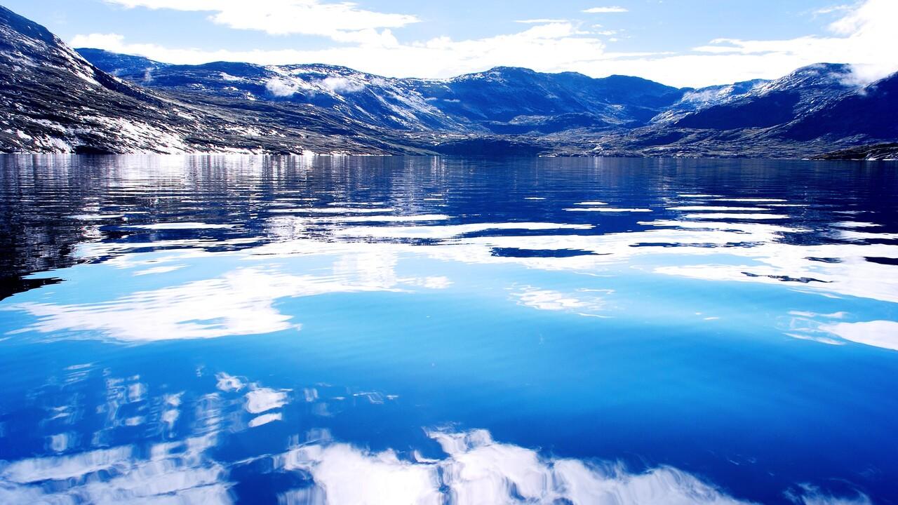 greenland-fjord.jpg