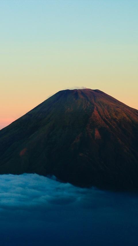 gunung sumbing wonosobo island in indonesia 5k w6