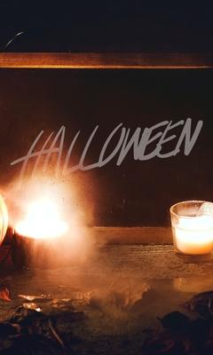 halloween-8y.jpg