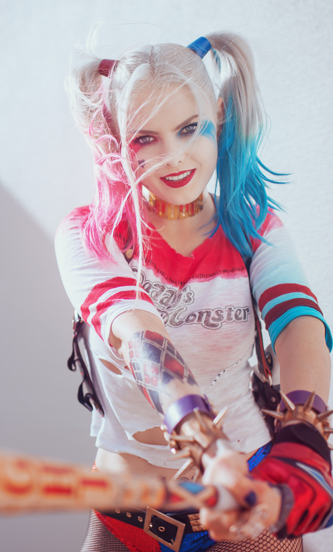1280x2120 Harley Quinn Cosplay Hd Iphone 6 Hd 4k Wallpapers Images