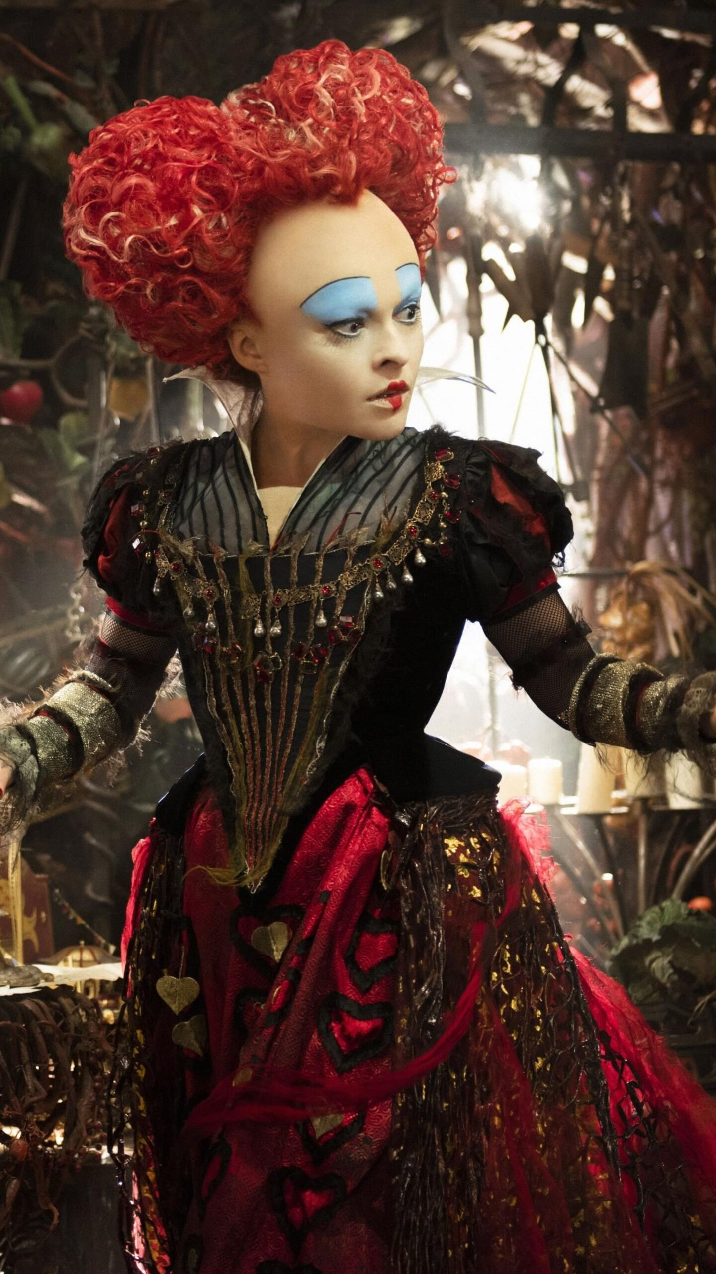 helena-bonham-carter-alice-through-the-looking-glass-img.jpg