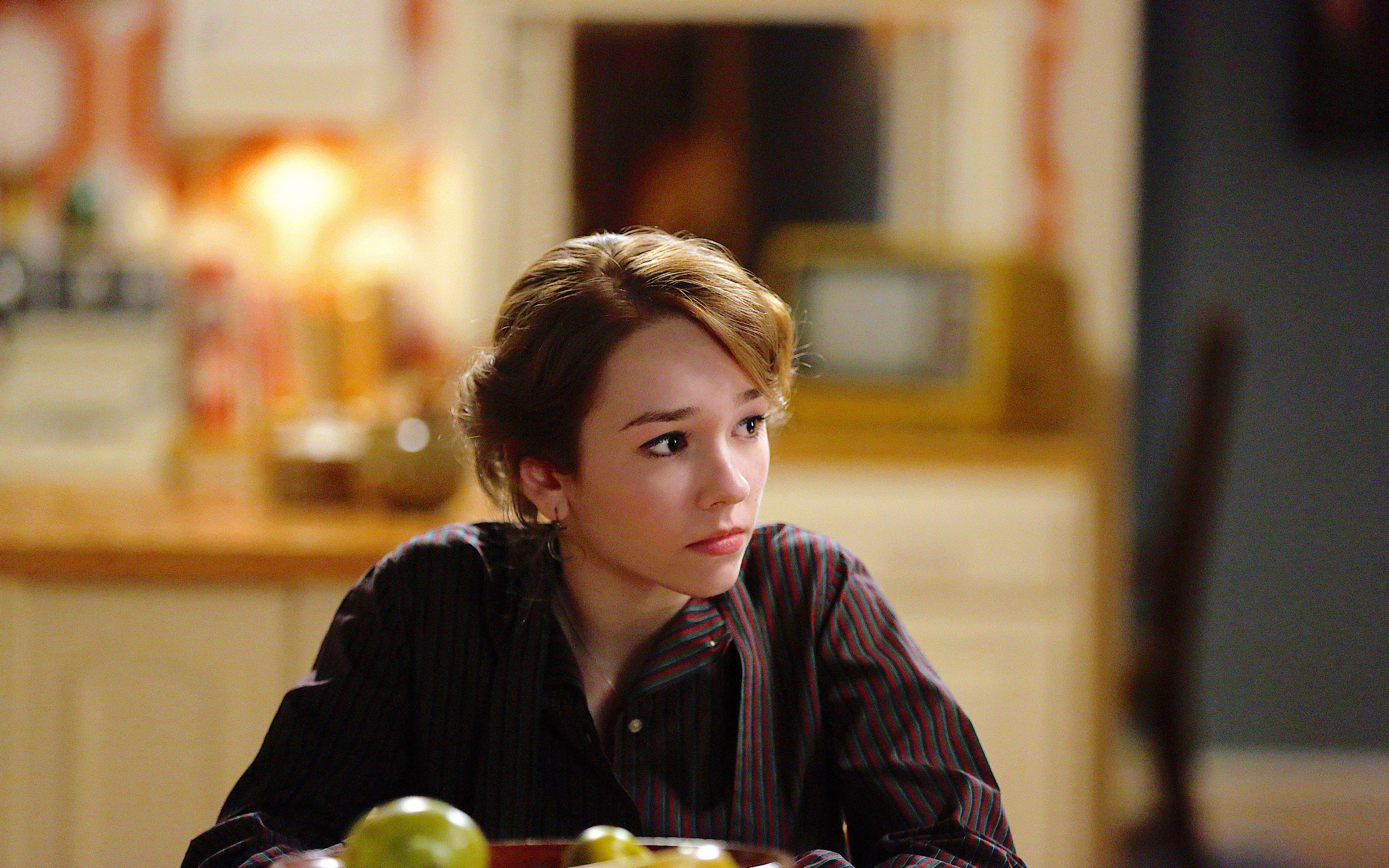 2880x1800 Holly Taylor The Americans Macbook Pro Retina Hd