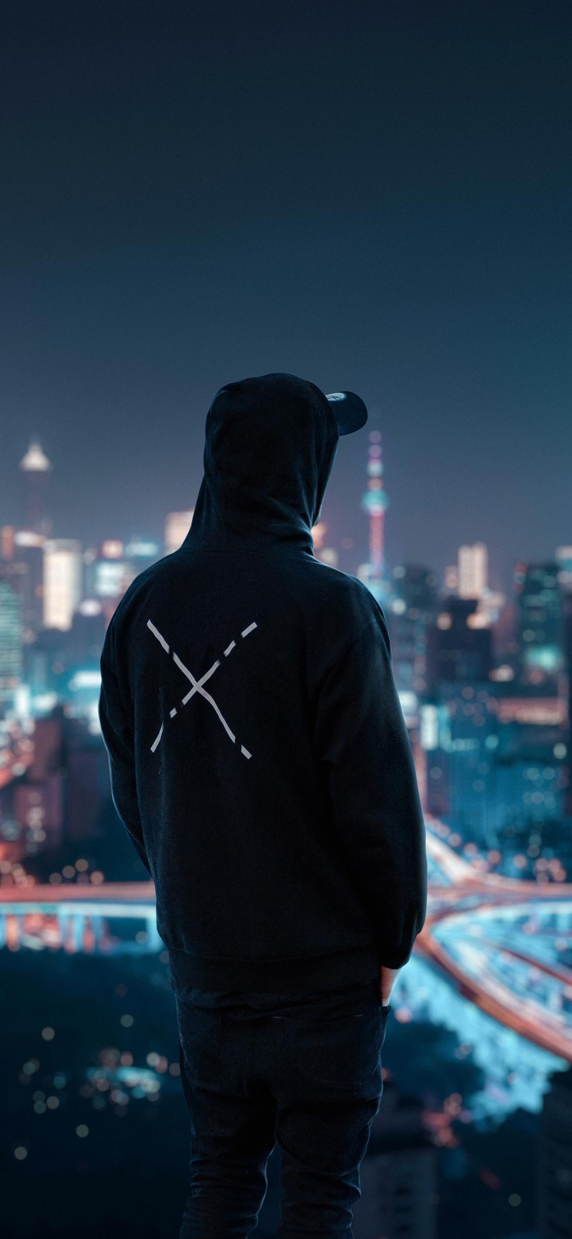 1125x2436 Hoodie Man Looking At City View 4k Iphone XS ...
