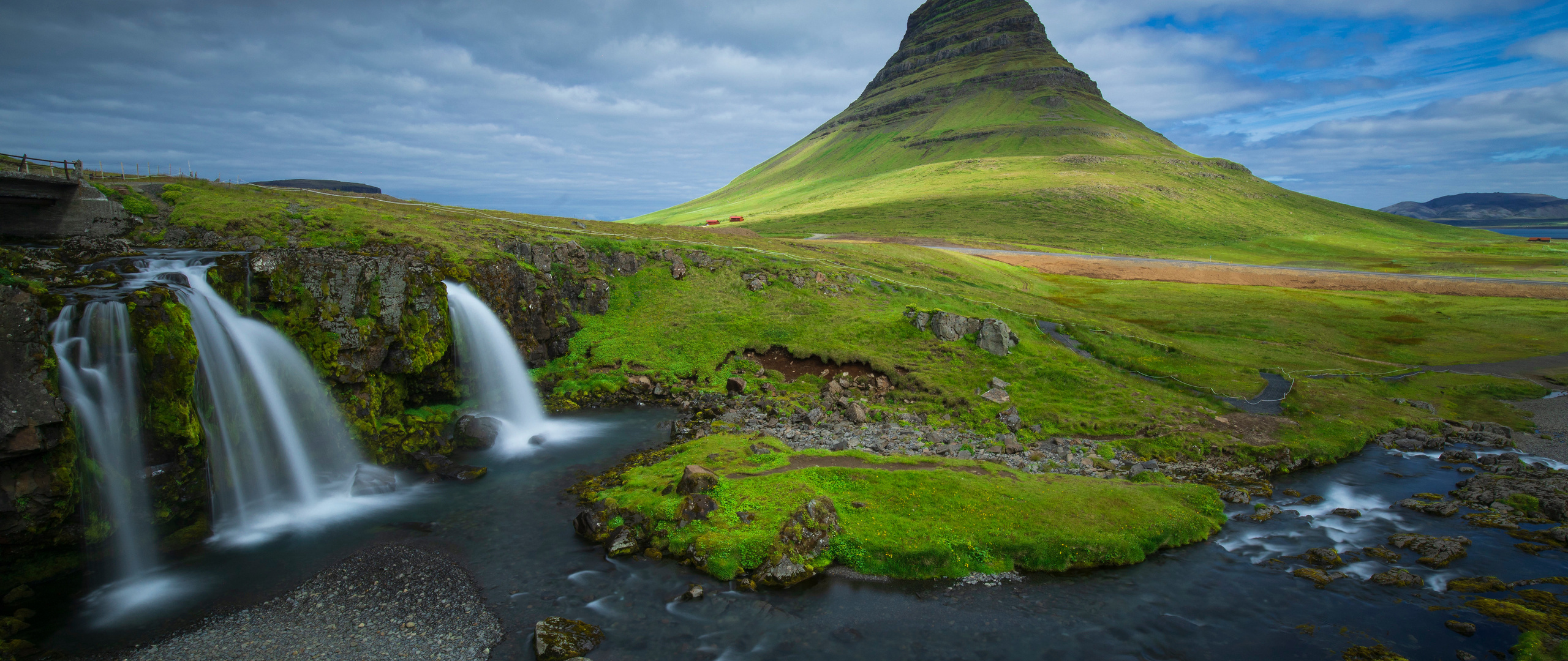 iceland-mountains-waterfalls-kirkjufell-5k-5i.jpg