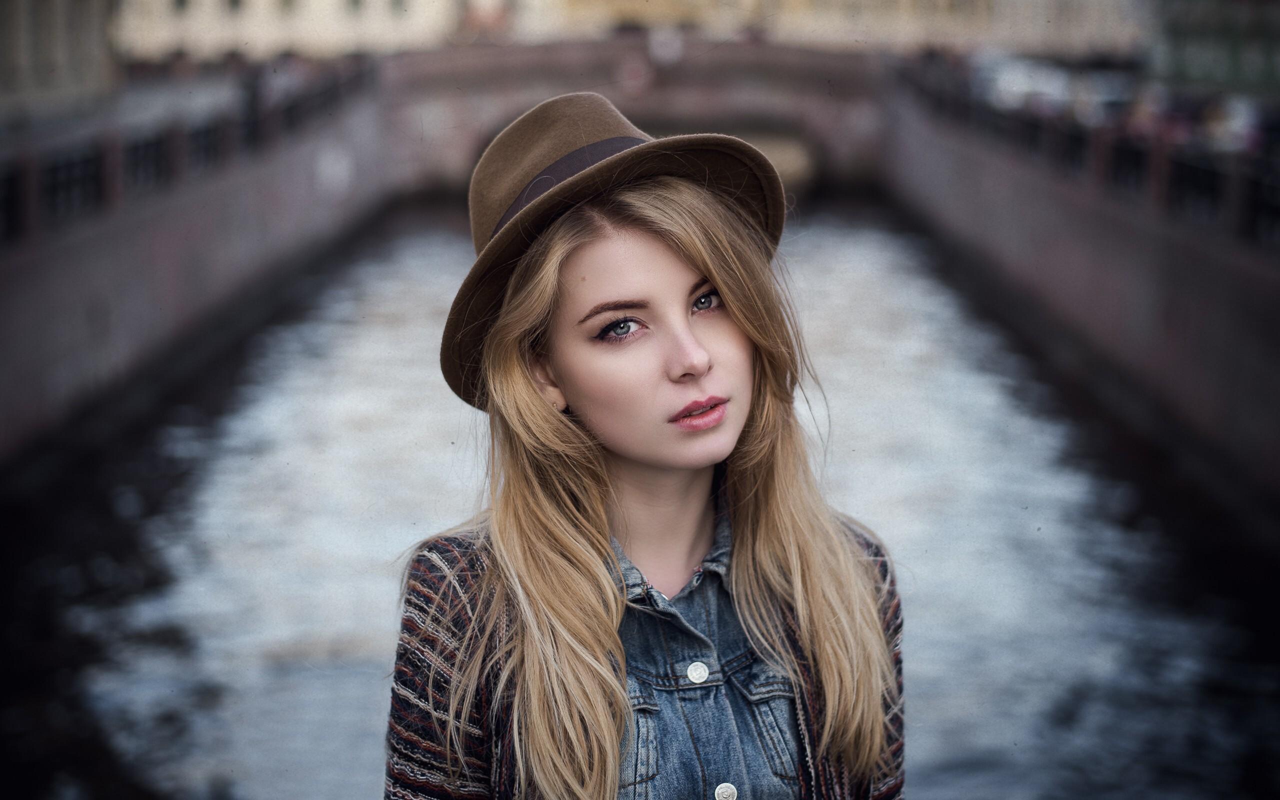 irina-popova-hat-face-image.jpg