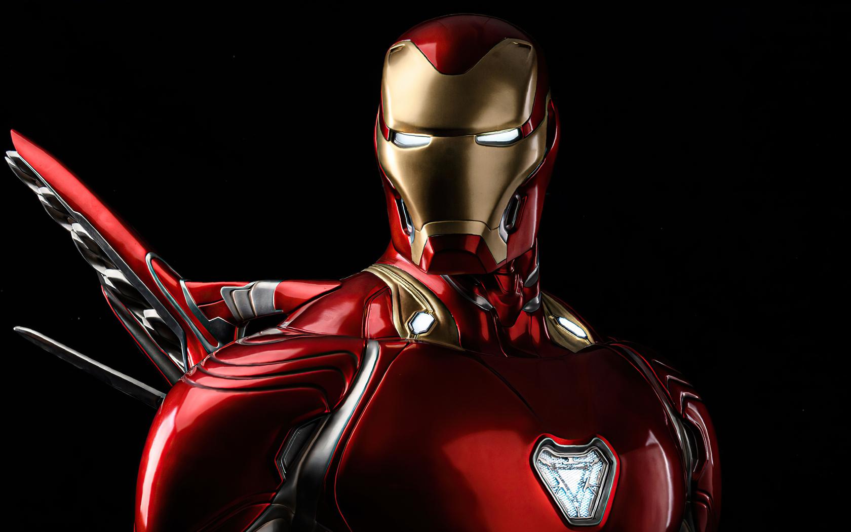iron-man-glowing-eyes-4k-mi.jpg