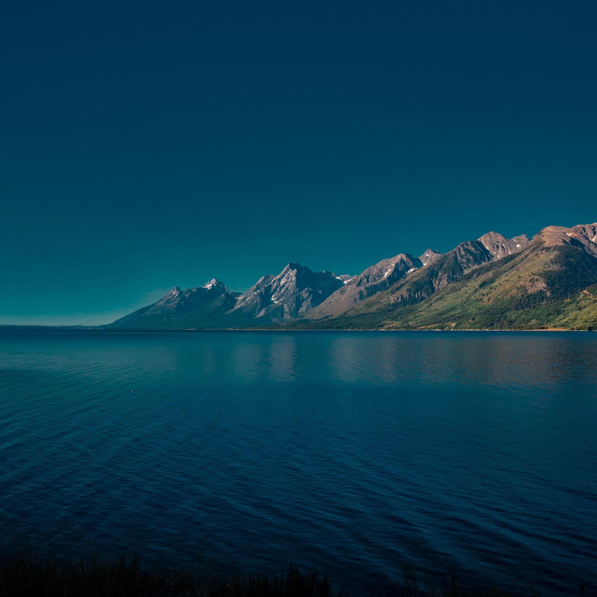 jackson-lake-in-wyoming-5k-8b.jpg