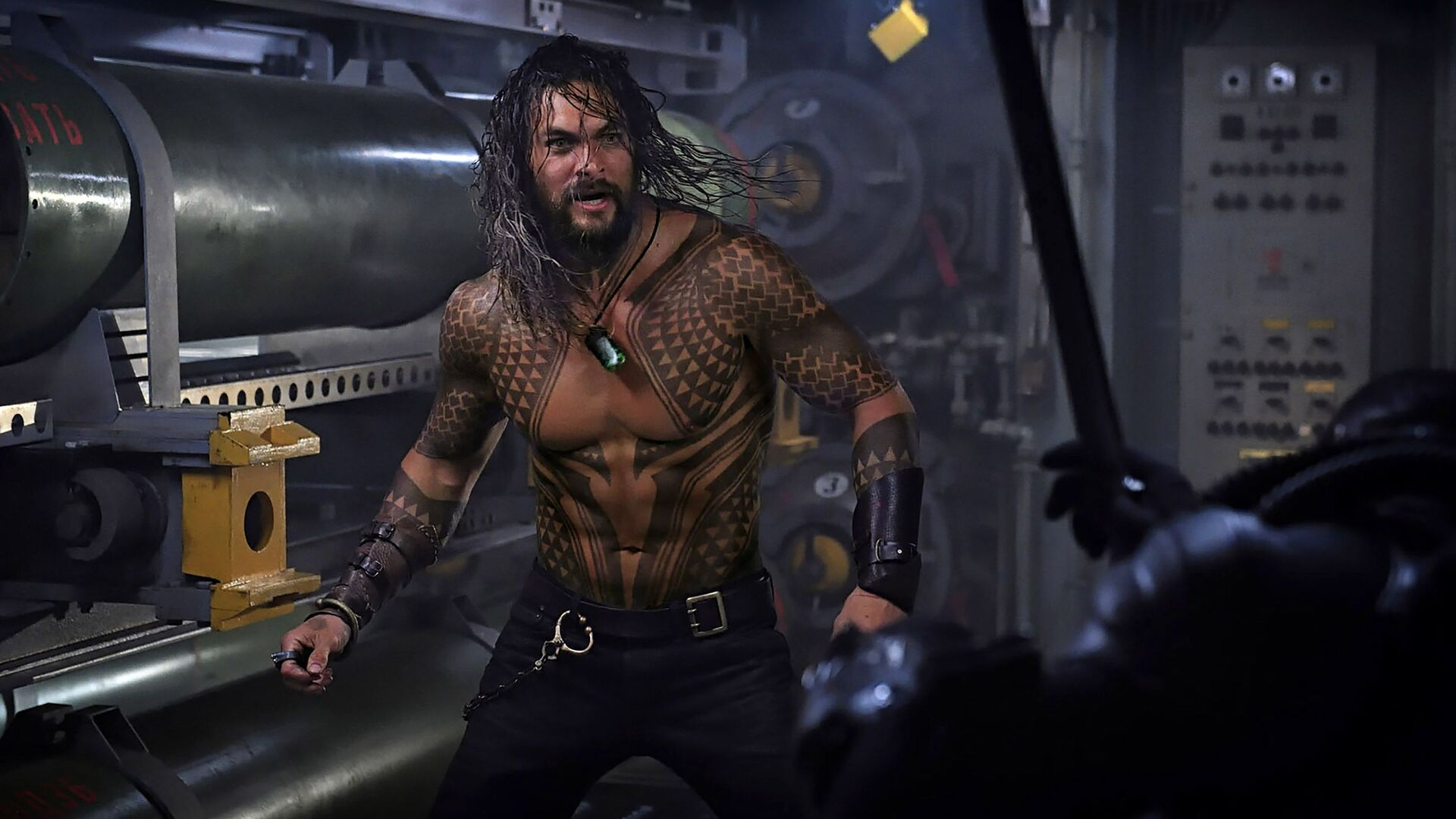 jason-momoa-in-aquaman-2018-movie-jy.jpg