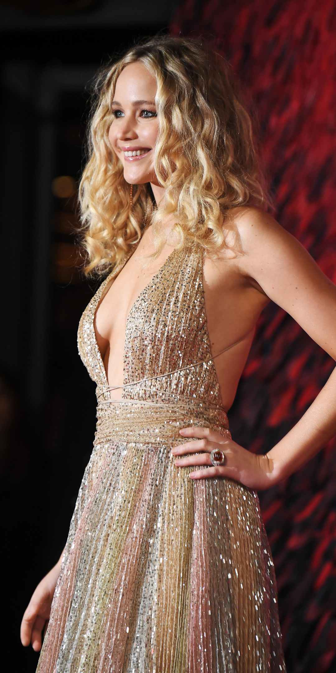jennifer-lawrence-at-premiere-in-london-eh.jpg