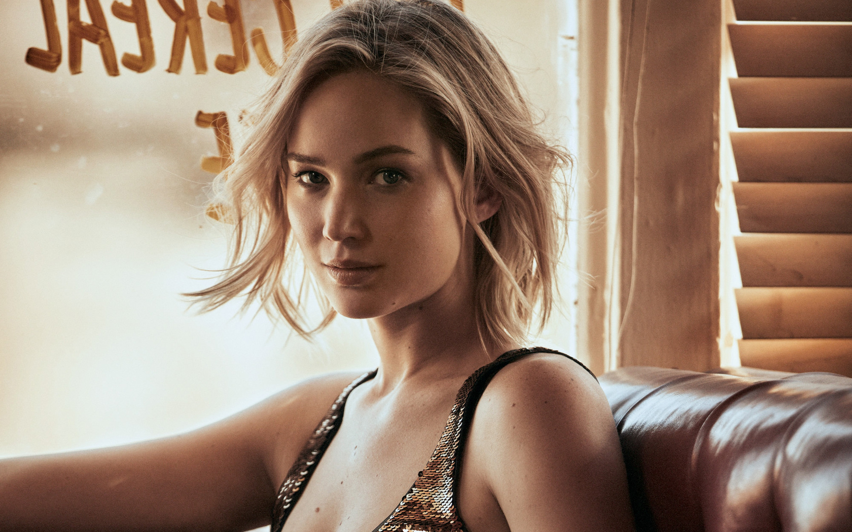 jennifer-lawrence-vogue-hd-5i.jpg
