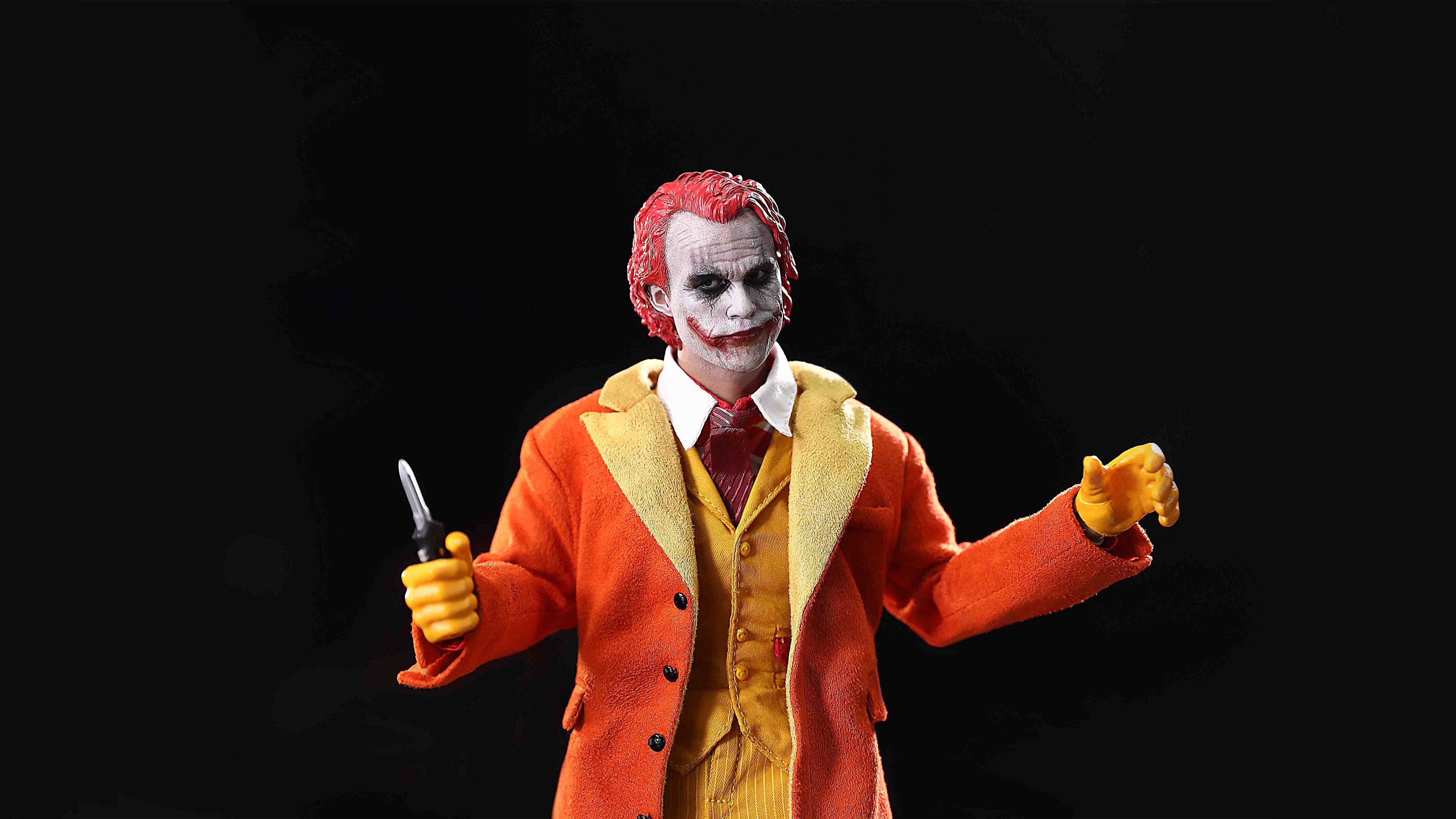 joker-with-knife-5k-9e.jpg