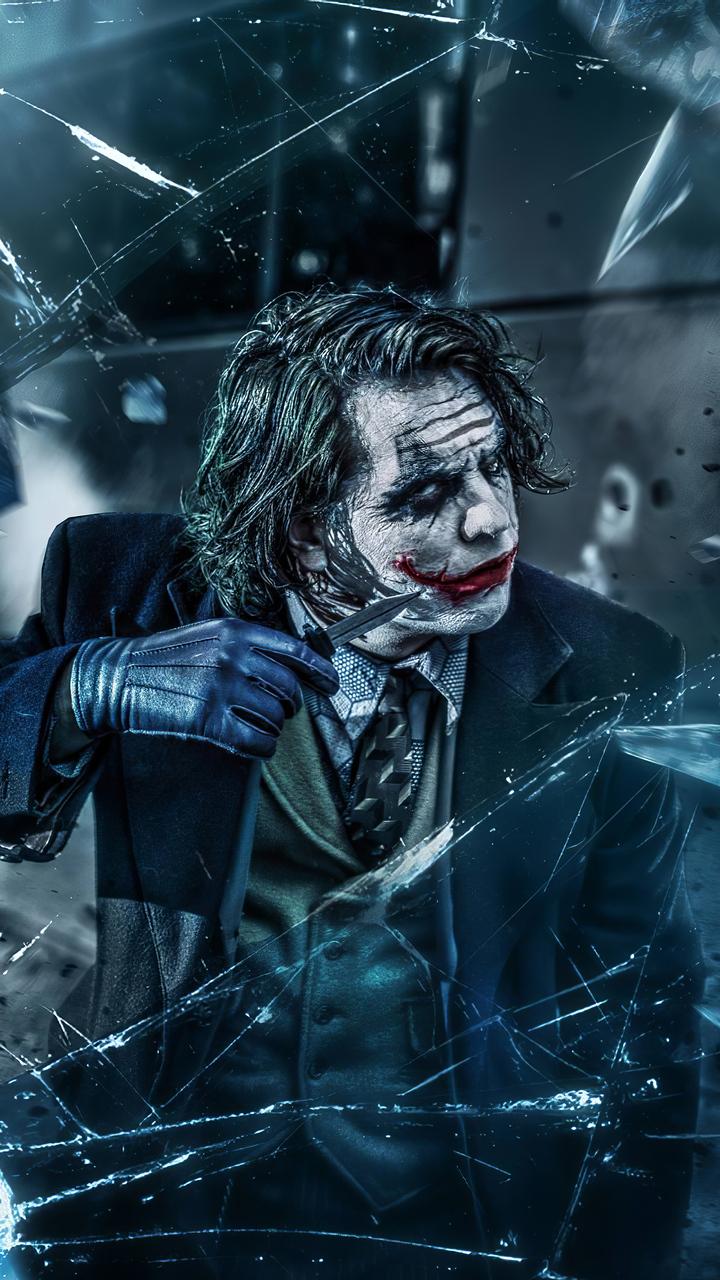 joker-with-knife-oz.jpg