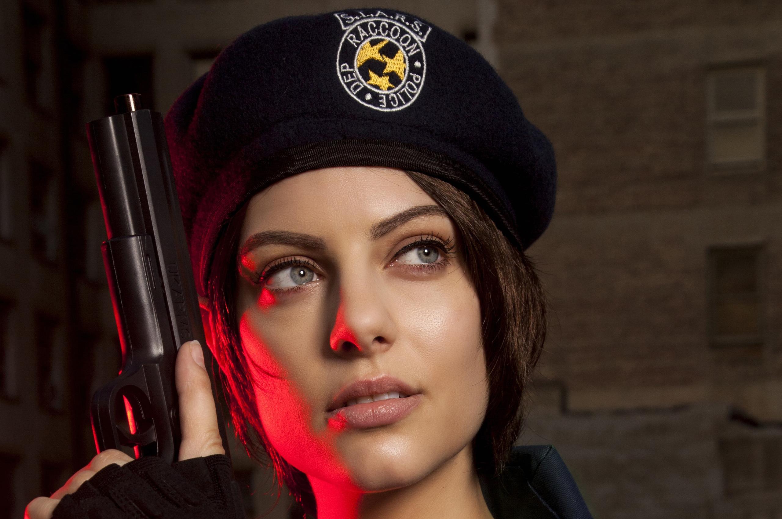 2560x1700 Julia Voth As Jill Valentine Resident Evil Cosplay