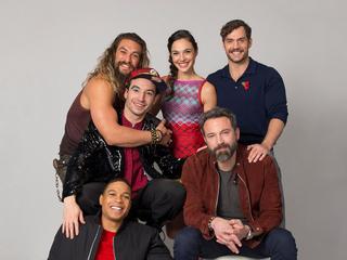 justice-league-2017-cast-photoshoot-d1.jpg