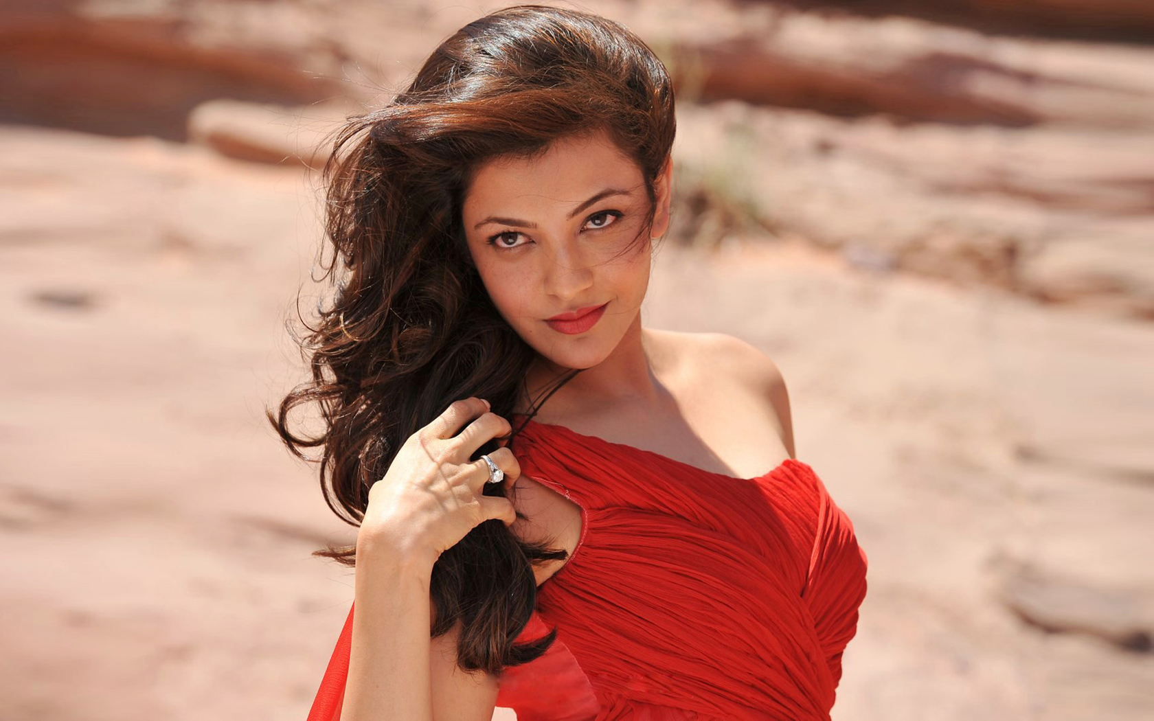 kajal-agarwal-in-red-dress-qhd.jpg