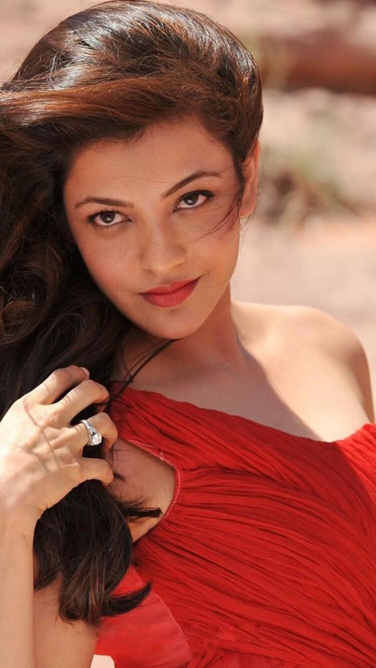 kajal-agarwal-in-red-dress-qhd.jpg