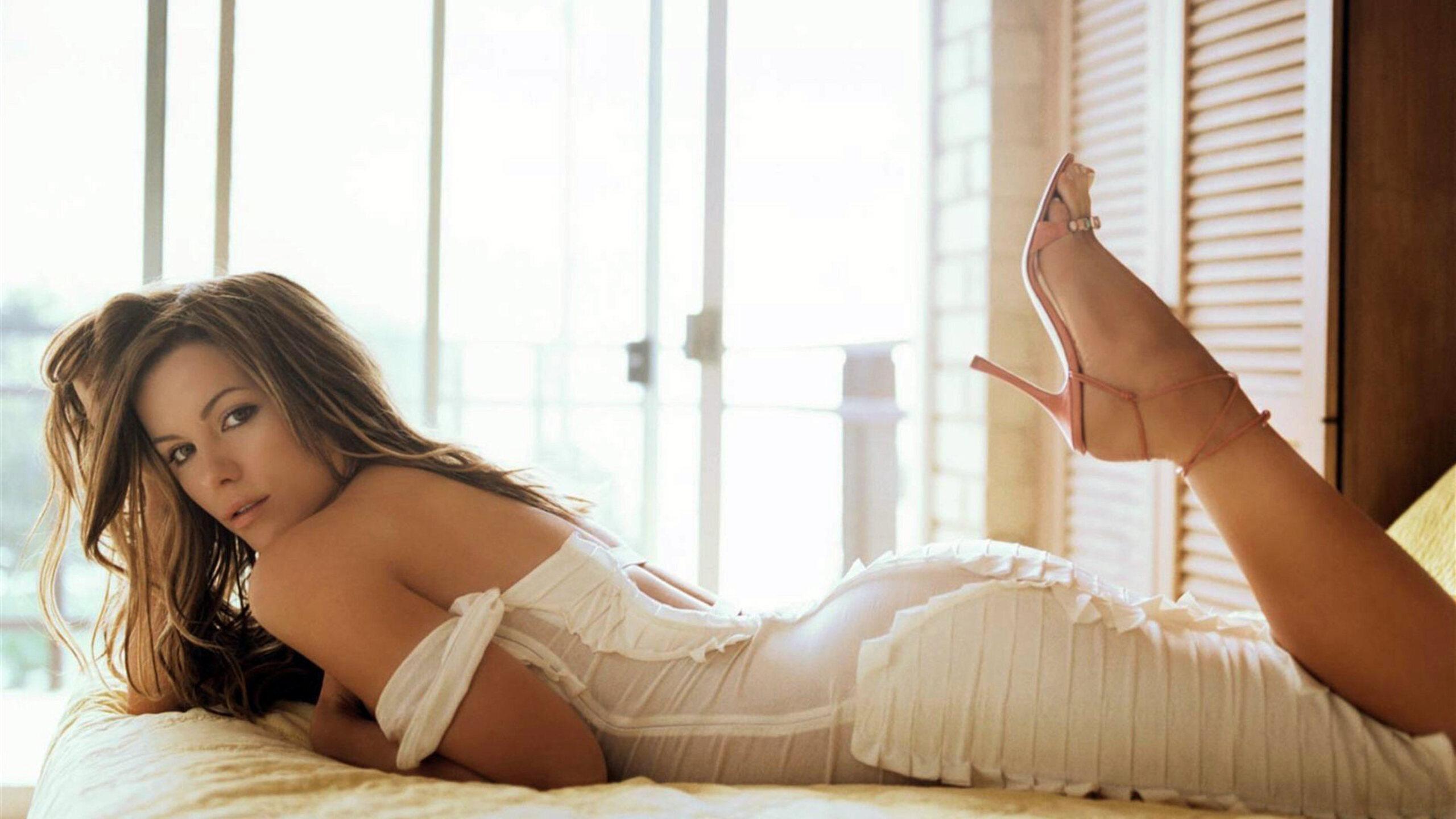 kate-young-nude-fake-pics-nylon-cum-shots
