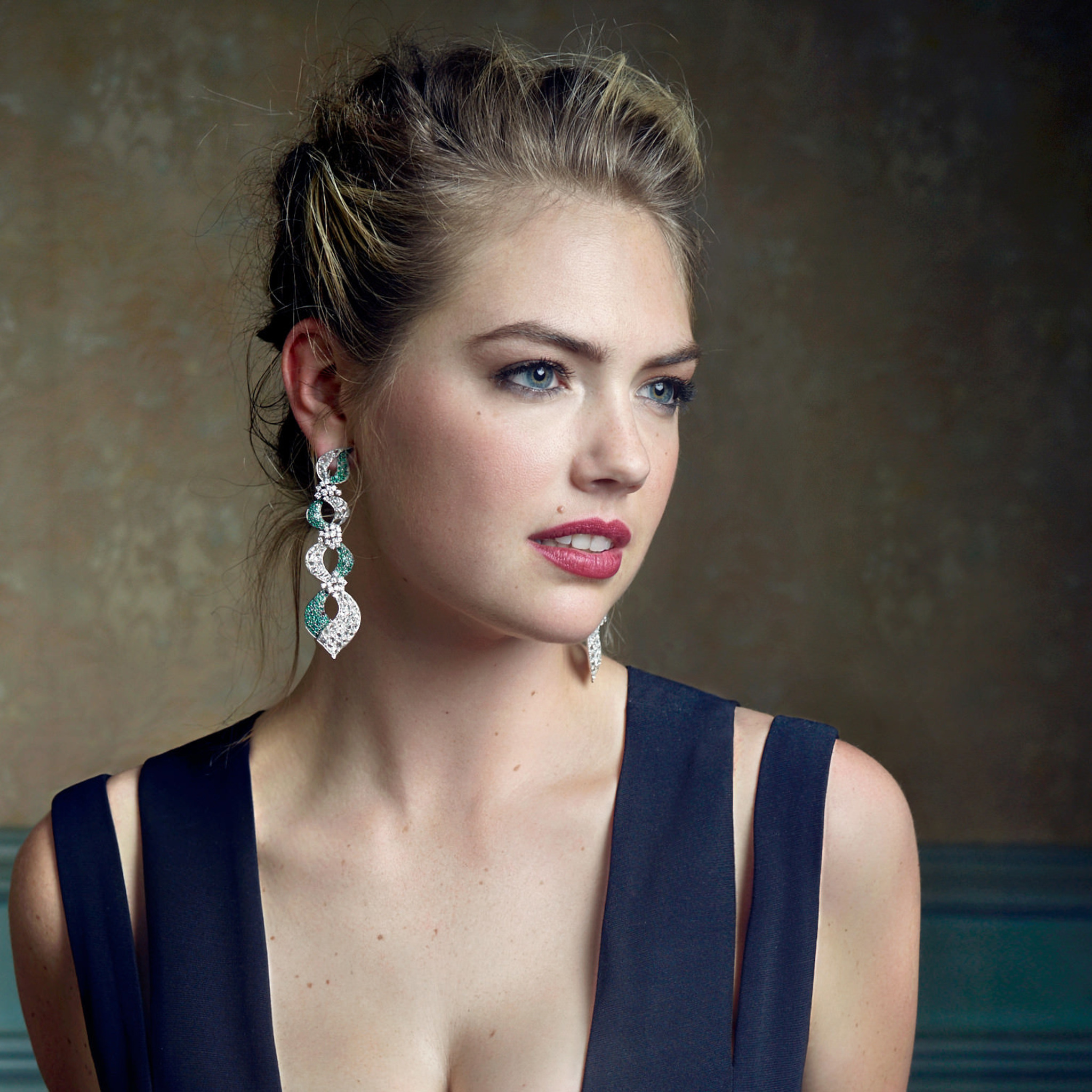 2048x2048 kate upton 2018 ipad air hd 4k wallpapers, images