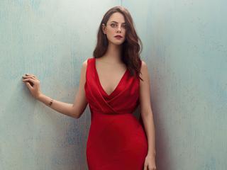 kaya-scodelario-in-red-dress-4k-31.jpg