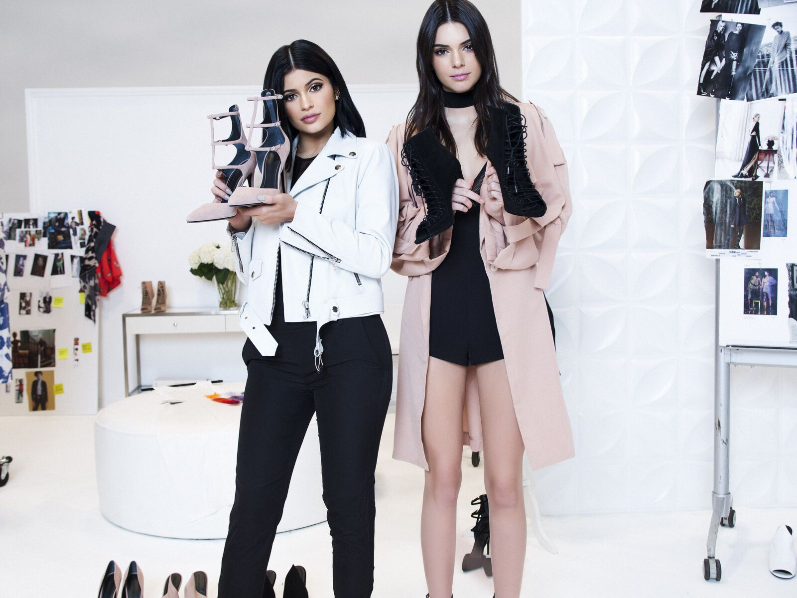 kendall-and-kylie-jenner-2018-5k-4f.jpg
