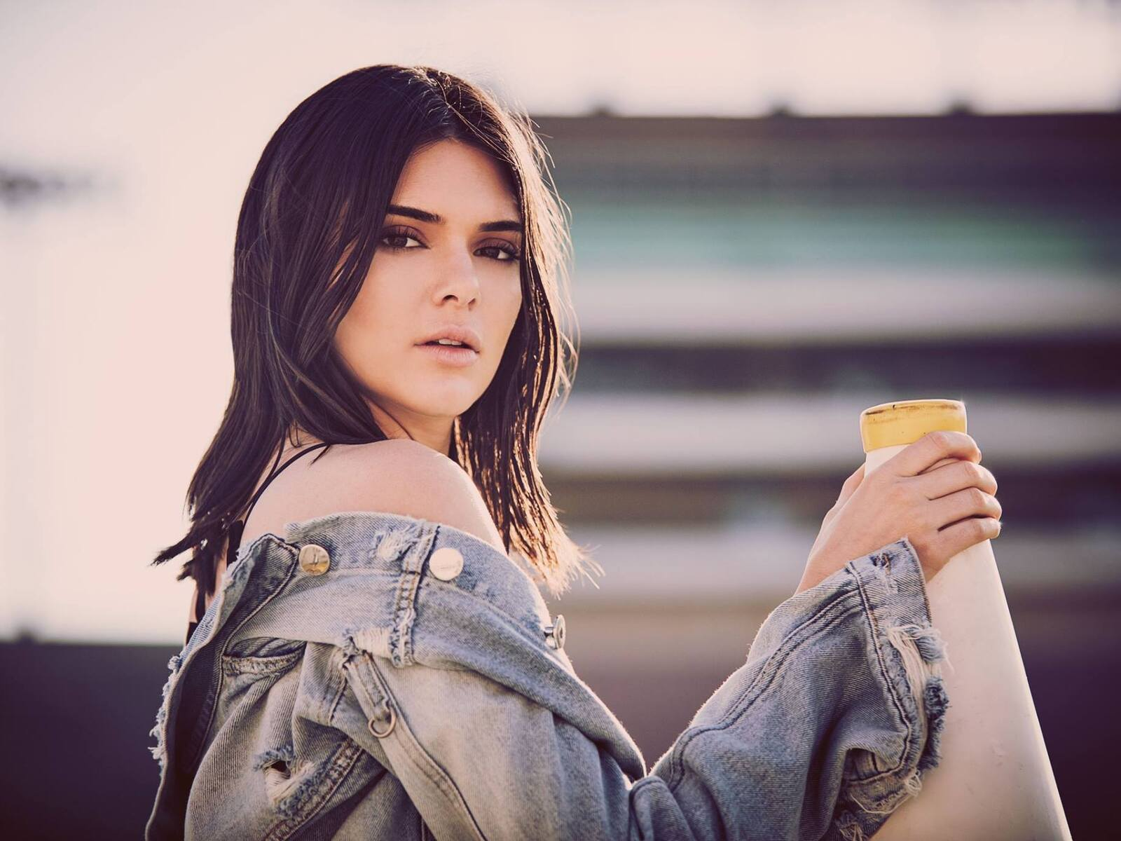 kendall-jenner-bo-summer-2018-photoshoot-pc.jpg