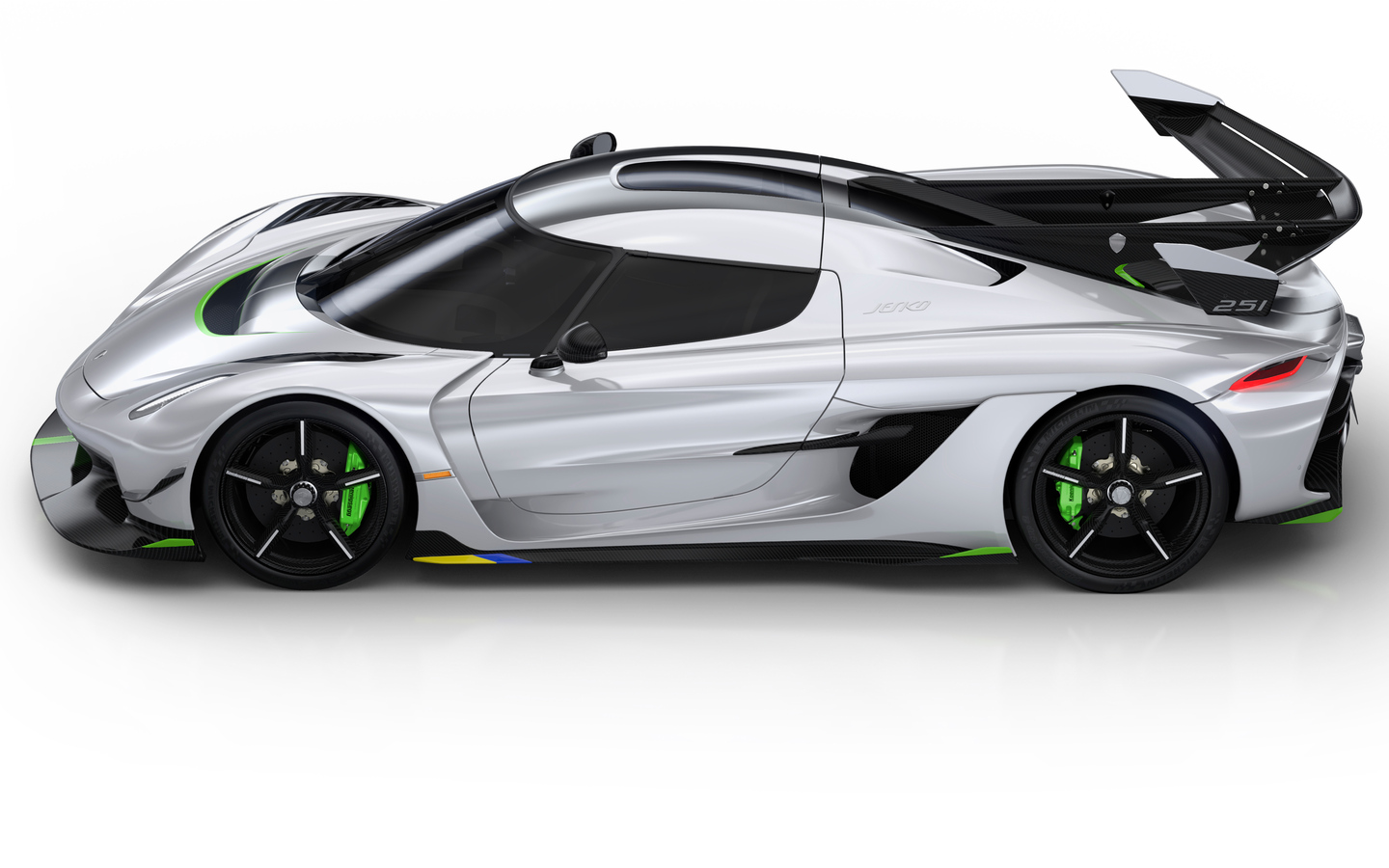 koenigsegg-jesko-2019-side-view-oj.jpg