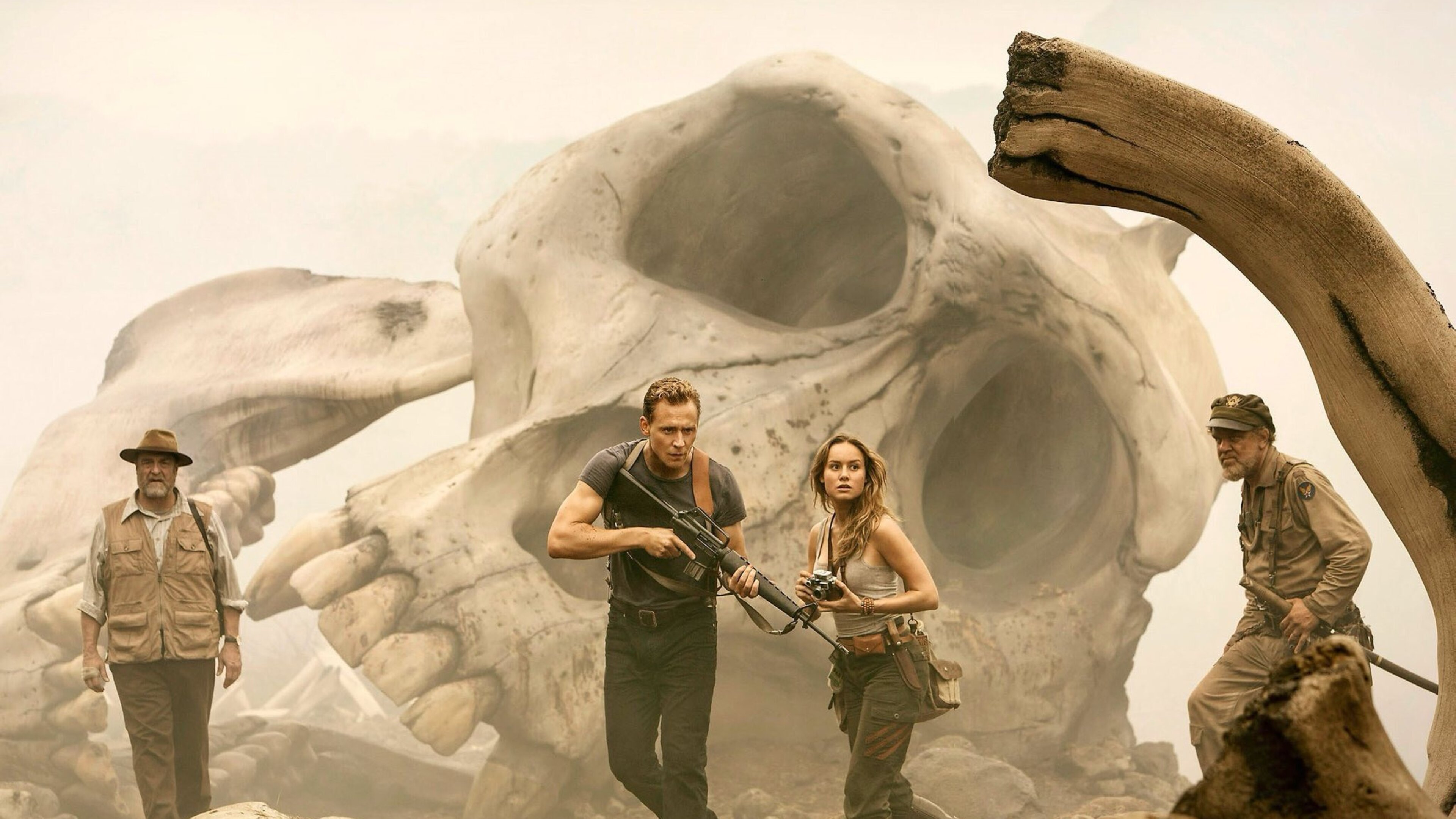 kong-skull-island-tom-hiddleston-pic.jpg