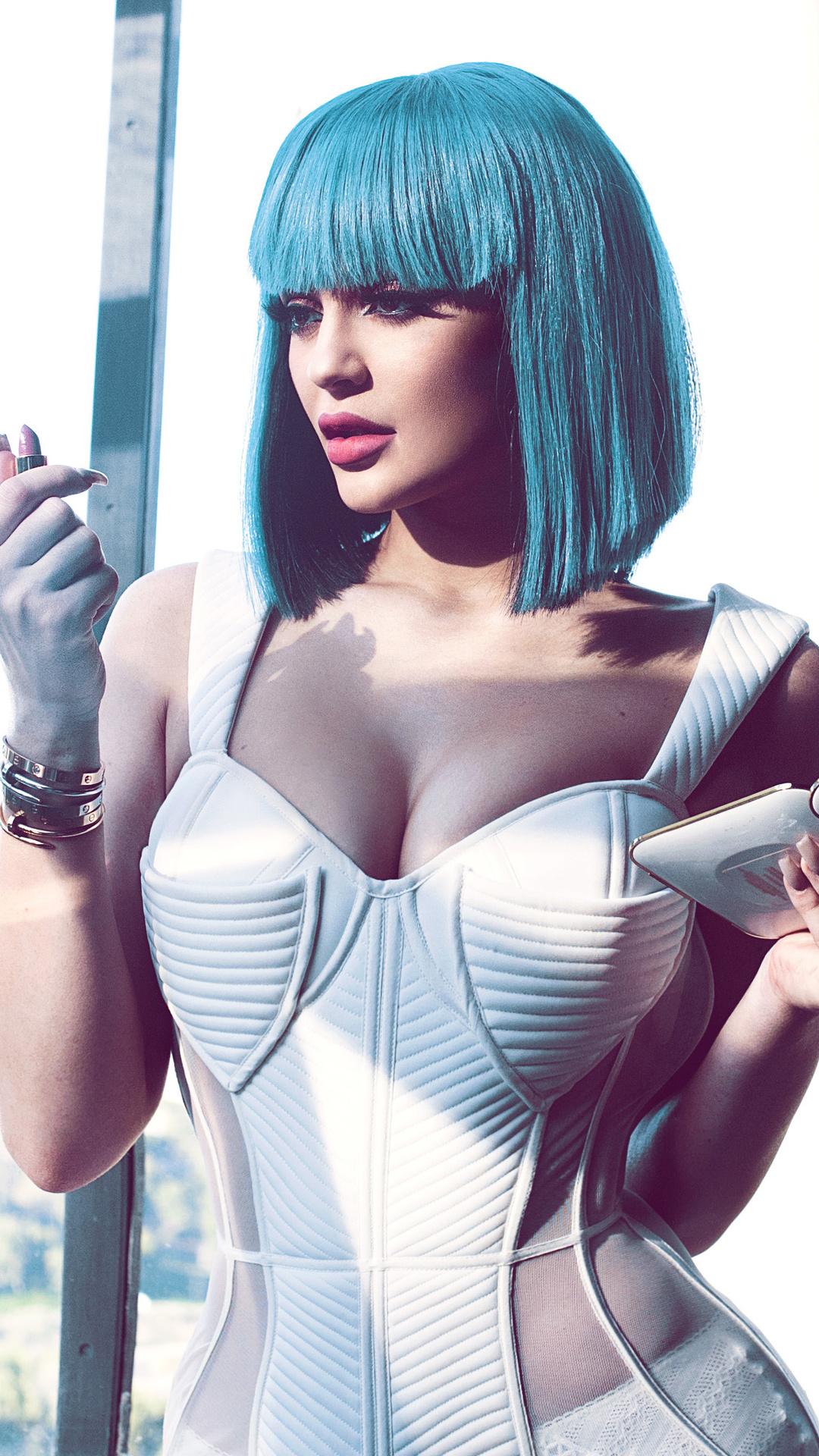 kylie-jenner-cotton-candy-blue-hair-zc.jpg