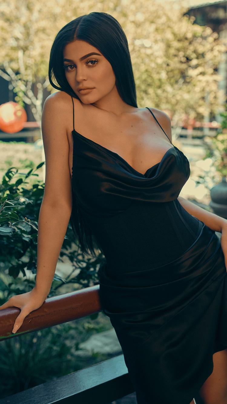 best website 17c35 406e6 750x1334 Kylie Jenner Drop Three 2017 4k iPhone 6, iPhone 6S, iPhone ...
