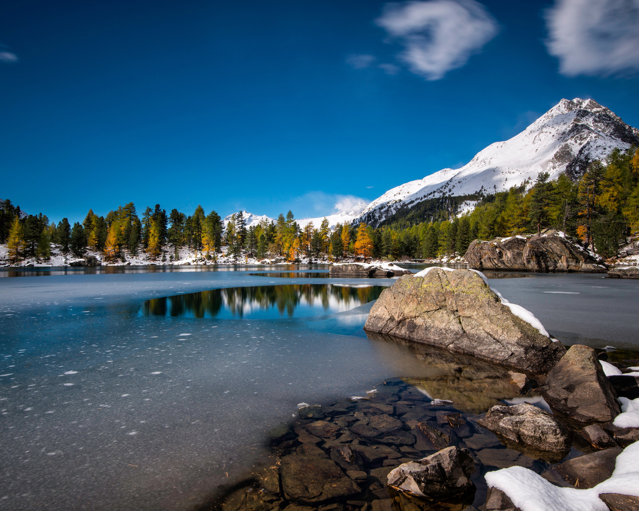 lagh-da-saoseo-lake-in-switzerland-5k-td.jpg