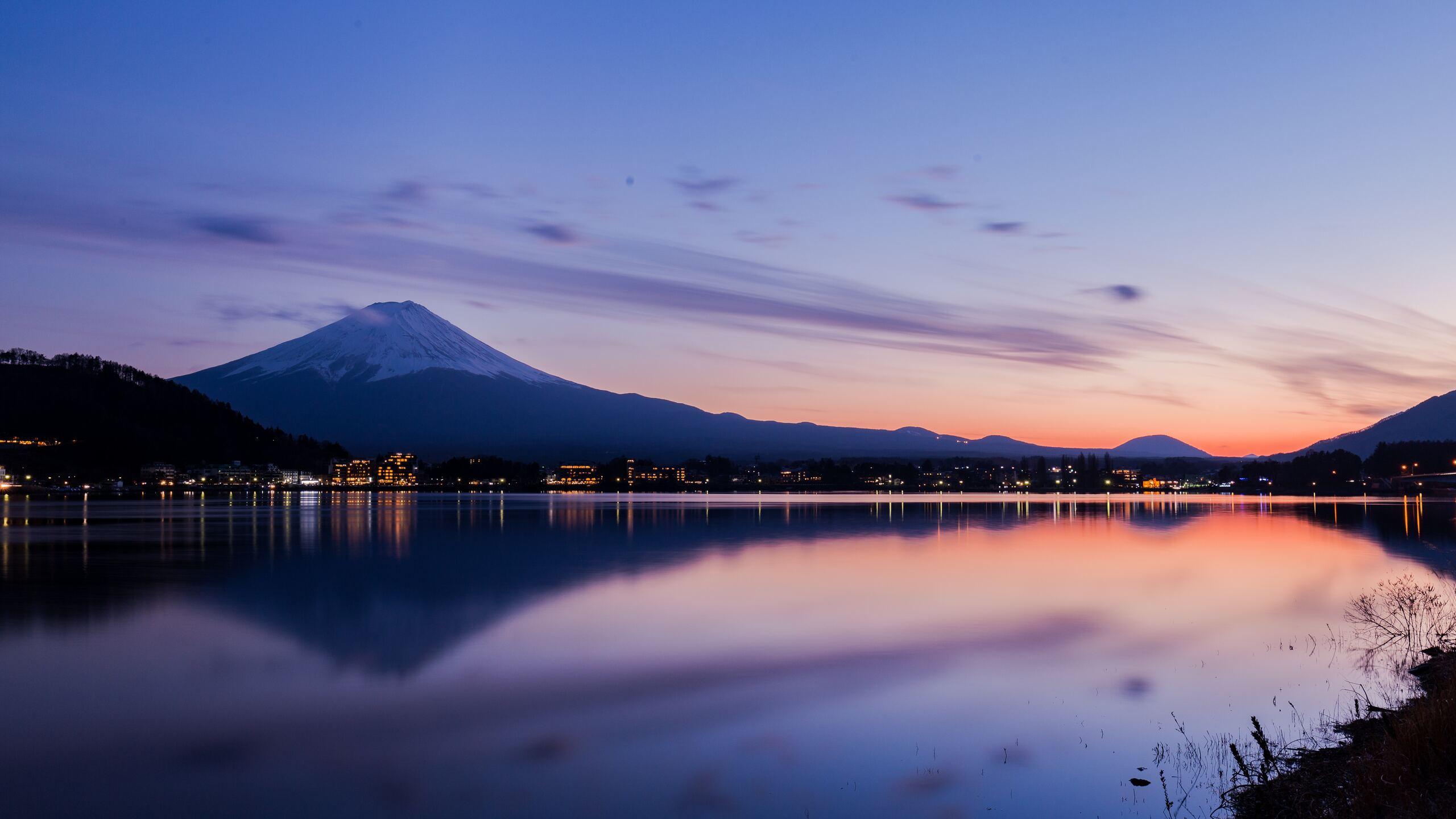 lake-kawaguchi-in-japan-fc.jpg