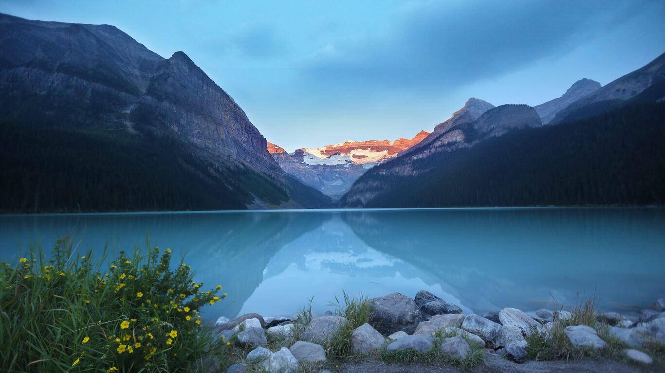 1366x768 Lake Louise Canada Beautiful