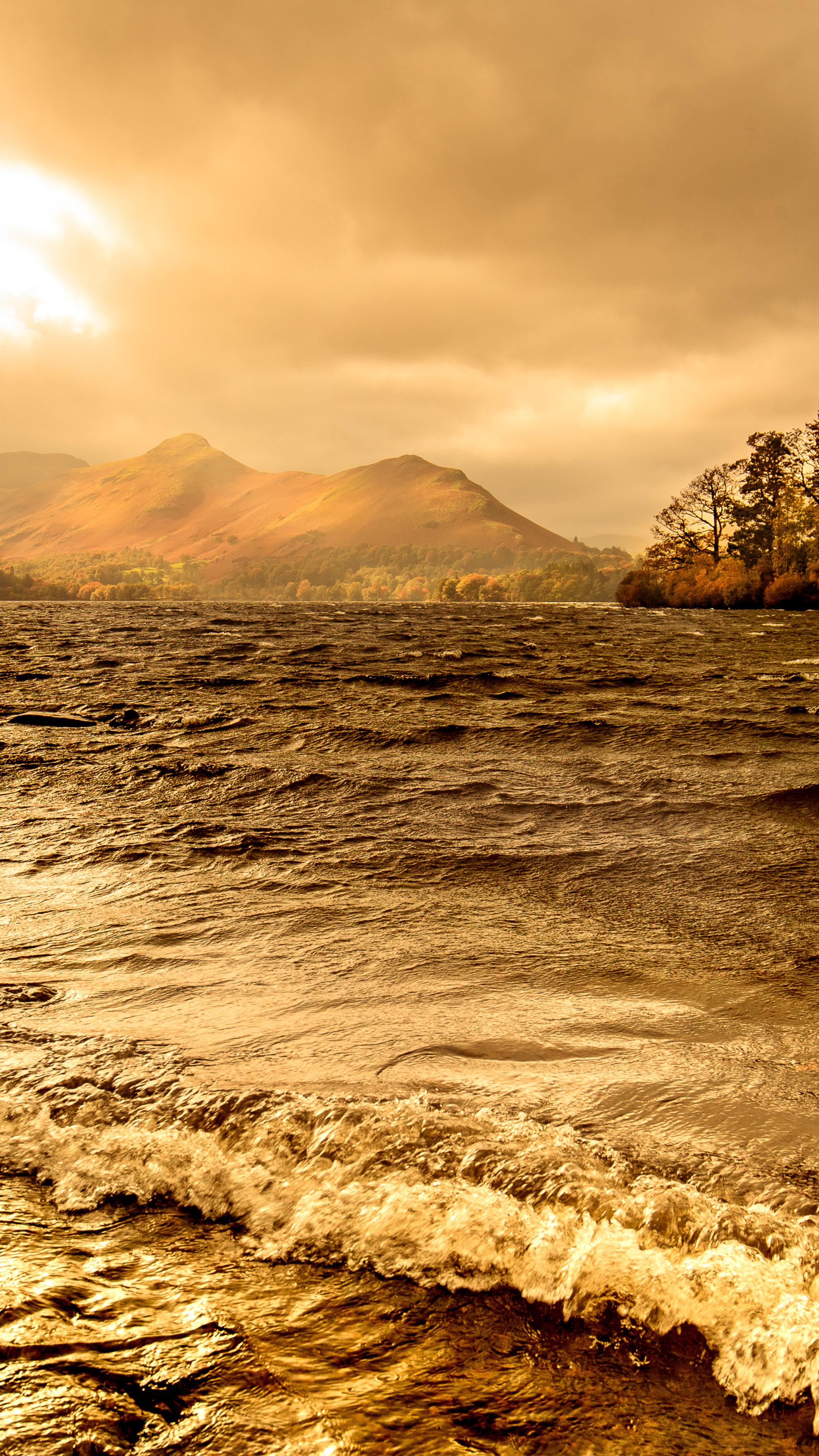 lake-windermere-autumn-season-4k-dz.jpg