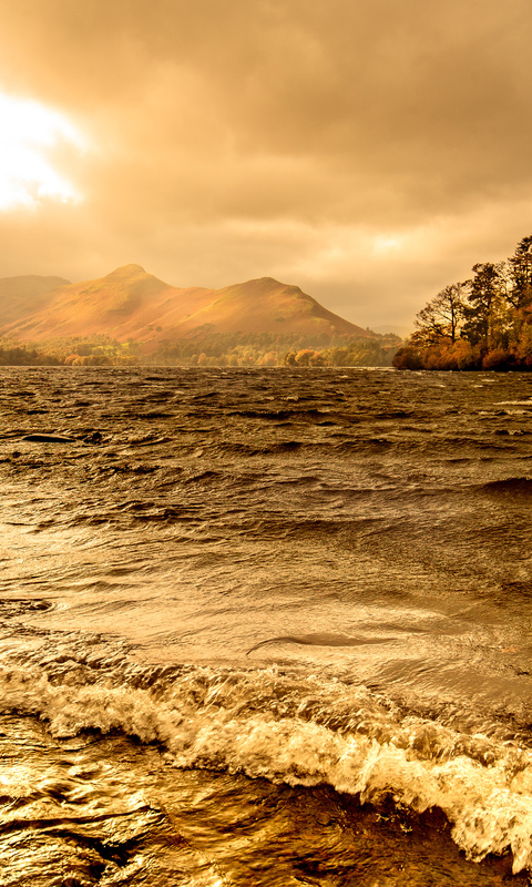 lake-windermere-autumn-season-4k-dz.jpg