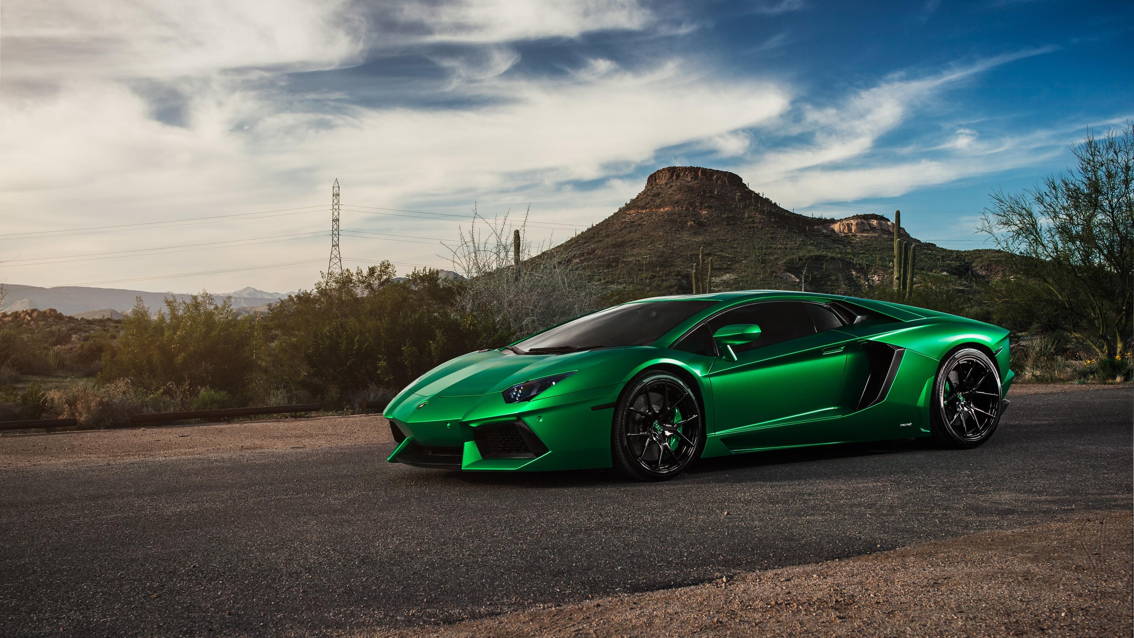 спортивный зеленый автомобиль Lamborghini  № 2996257 без смс