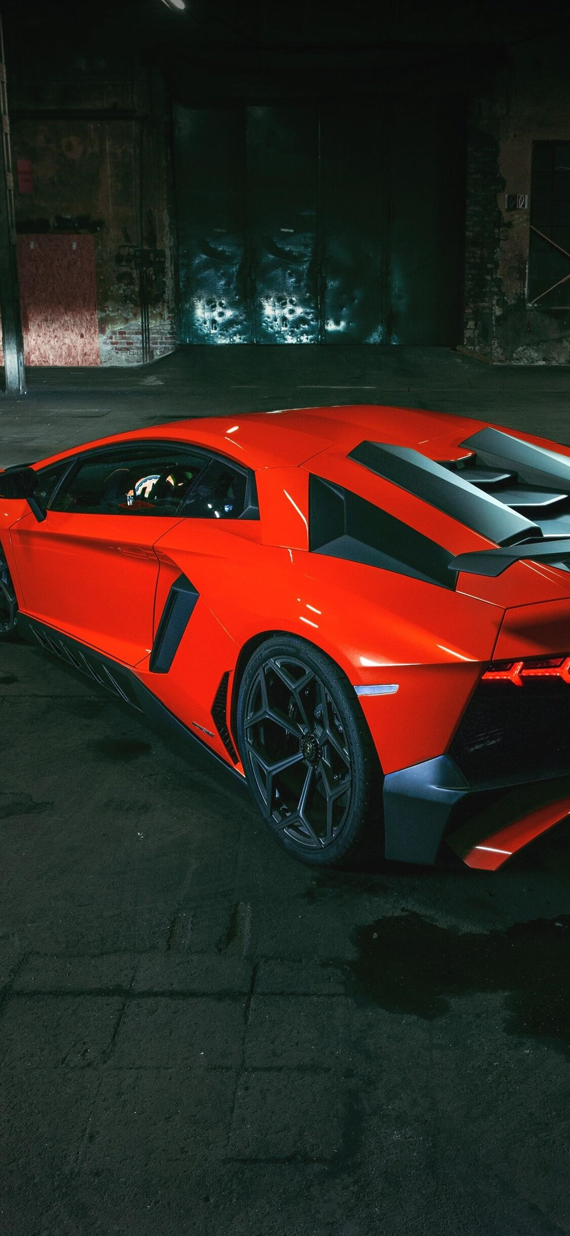 1125x2436 Lamborghini Aventador Tail Light Iphone Xs Iphone 10
