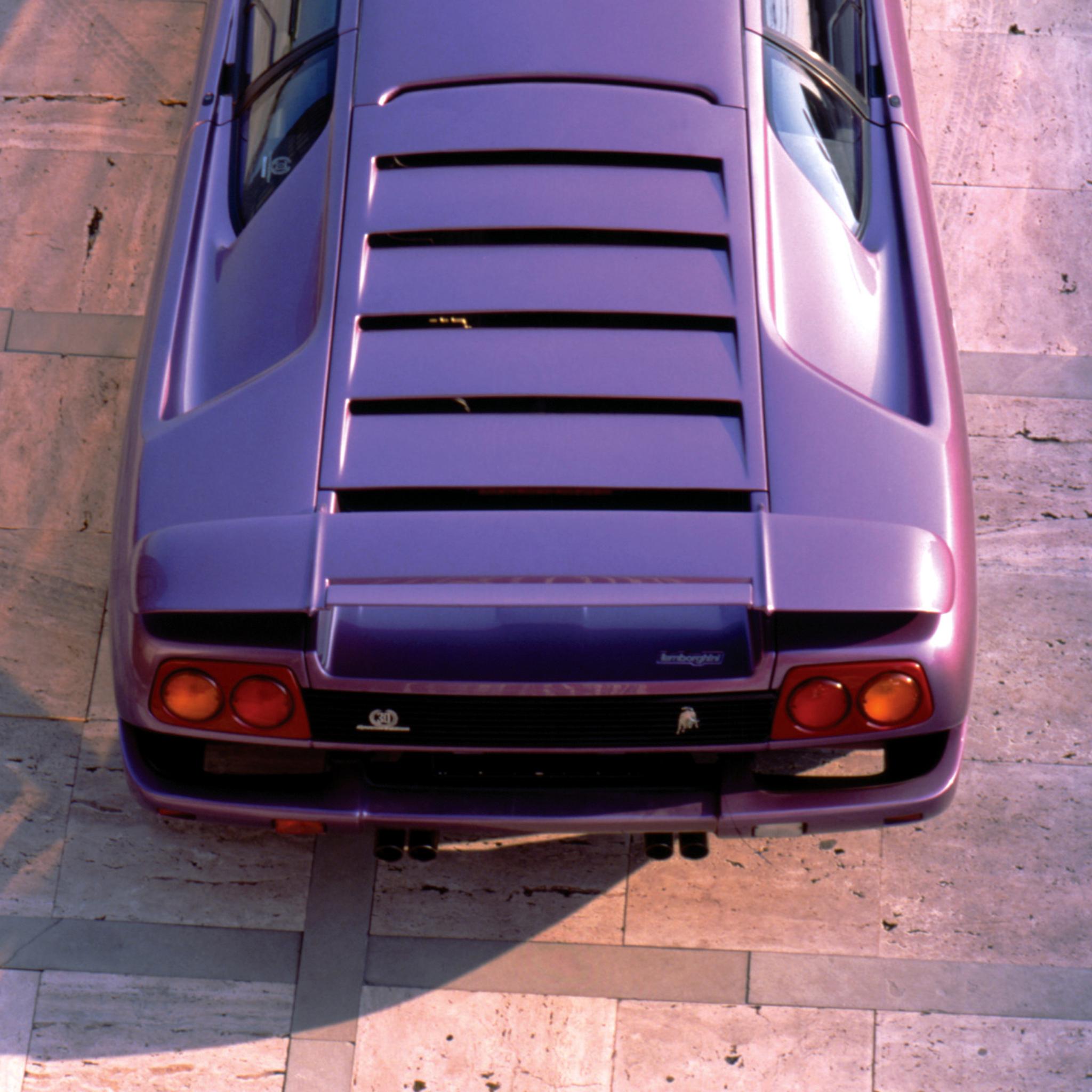 2048x2048 Lamborghini Diablo Se30 Ipad Air Hd 4k Wallpapers