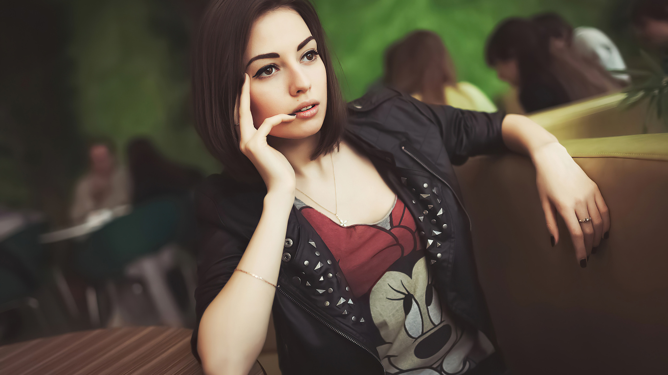 leather-jacket-girl-hand-on-face-4k-7l.jpg