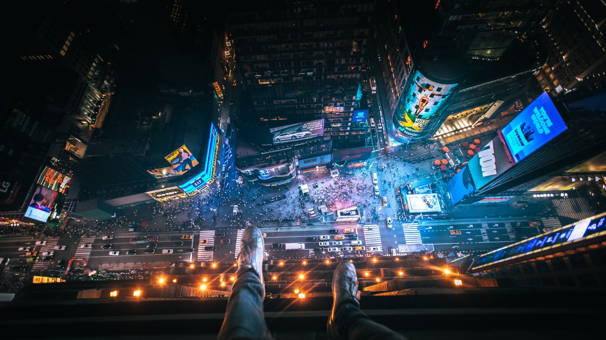 2048x1152 Legs Hanging Aerial View New York City 5k 2048x1152 Resolution Hd 4k Wallpapers Images Backgrounds Photos And Pictures