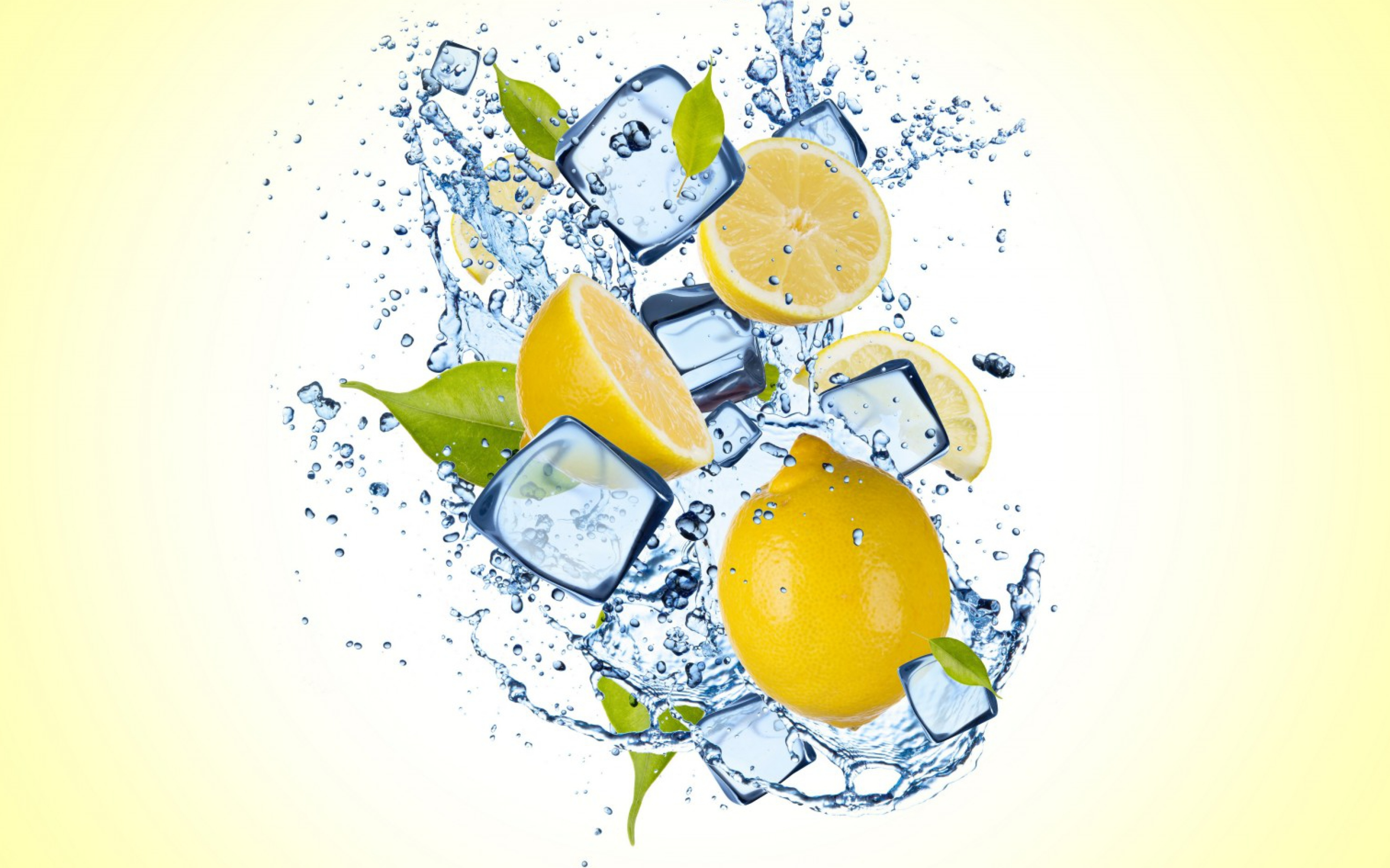 Дольки лимона в стакане  № 3698157 загрузить