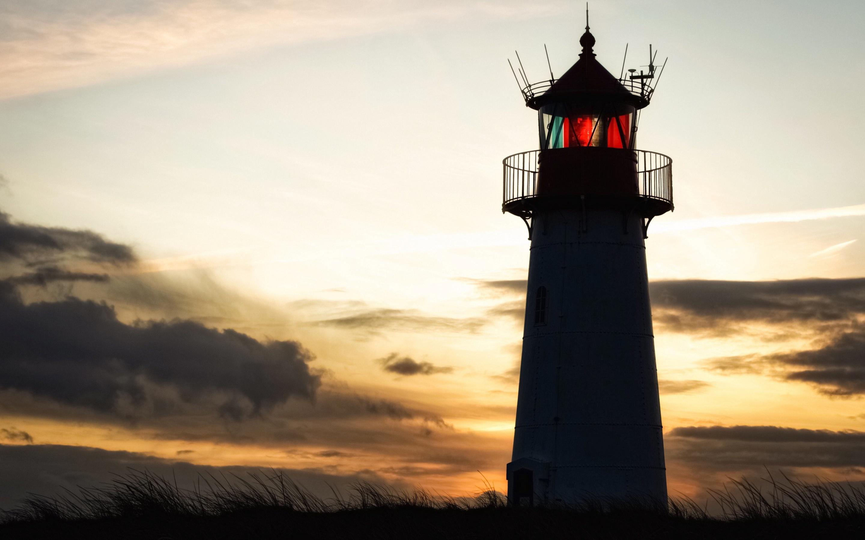 lighthouse-building-sky-6c.jpg