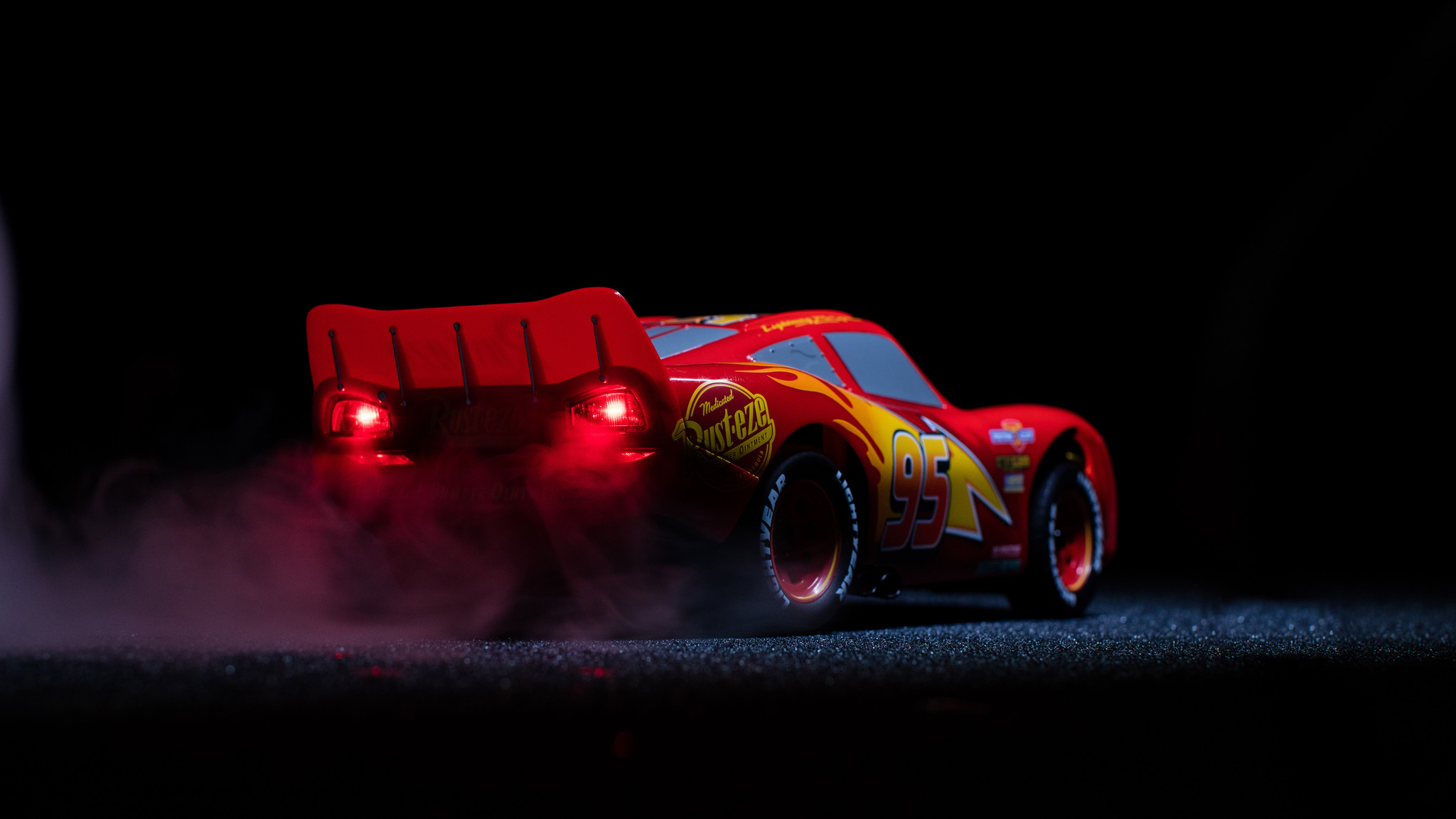 2048x1152 Lightning McQueen Cars 3 Pixar Disney 4k ...