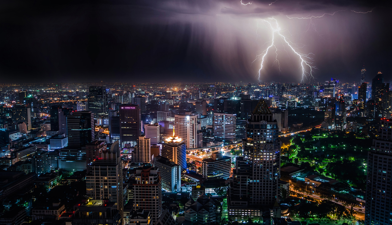 lightning-storm-at-night-bangkok-4k-k4.jpg