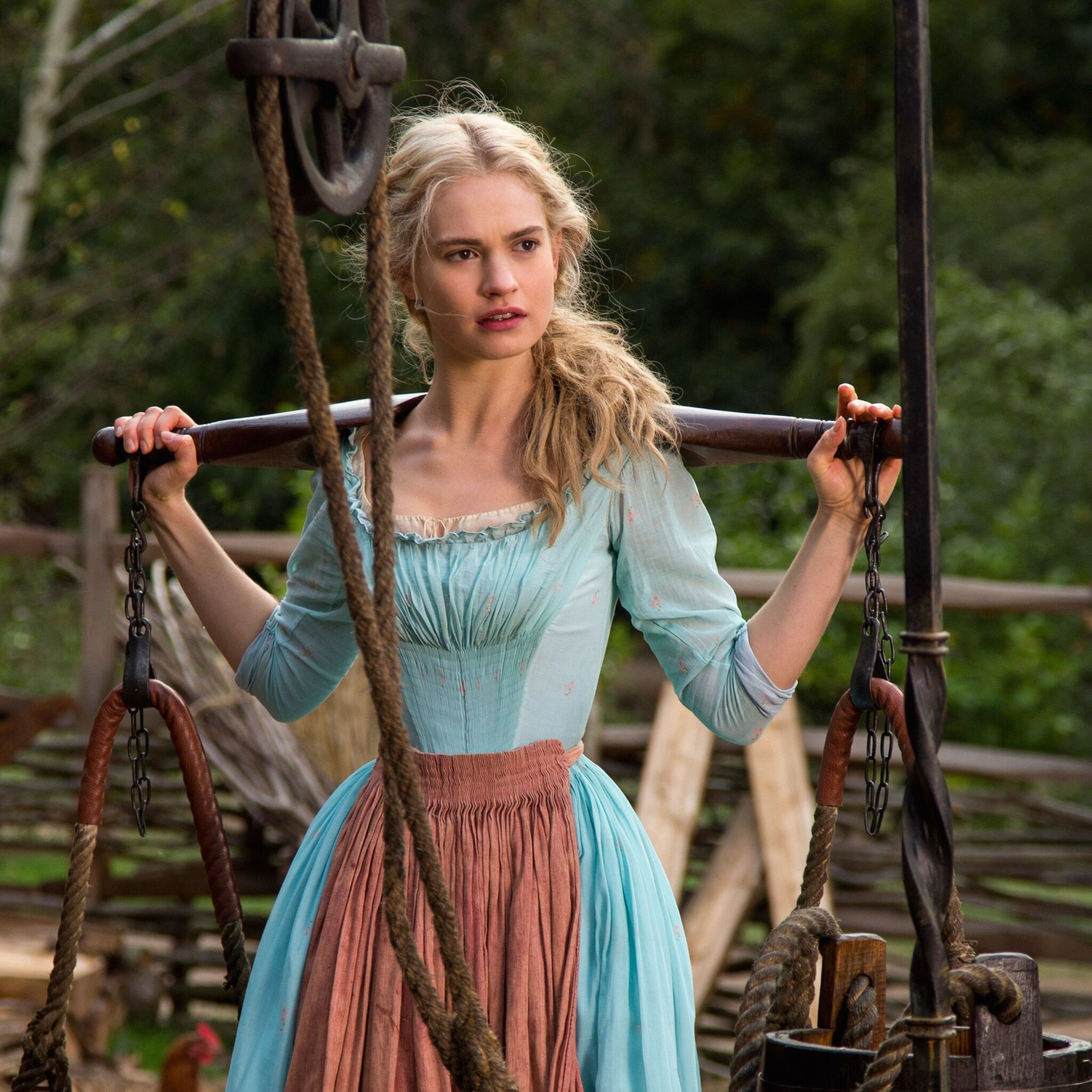 2048x2048 Lily James As Cinderella Ipad Air HD 4k