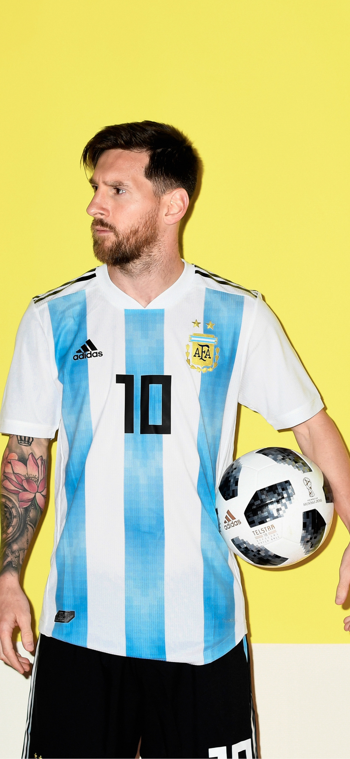 https hdqwalls com wallpaper 1125x2436 lionel messi argentina portrait 2018