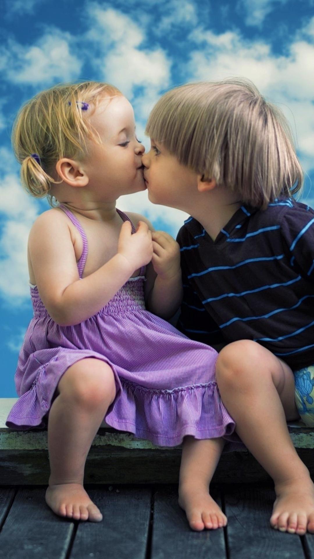 1080X1920 Little Boy Little Girl Cute Kiss Iphone 7,6S,6 -1501