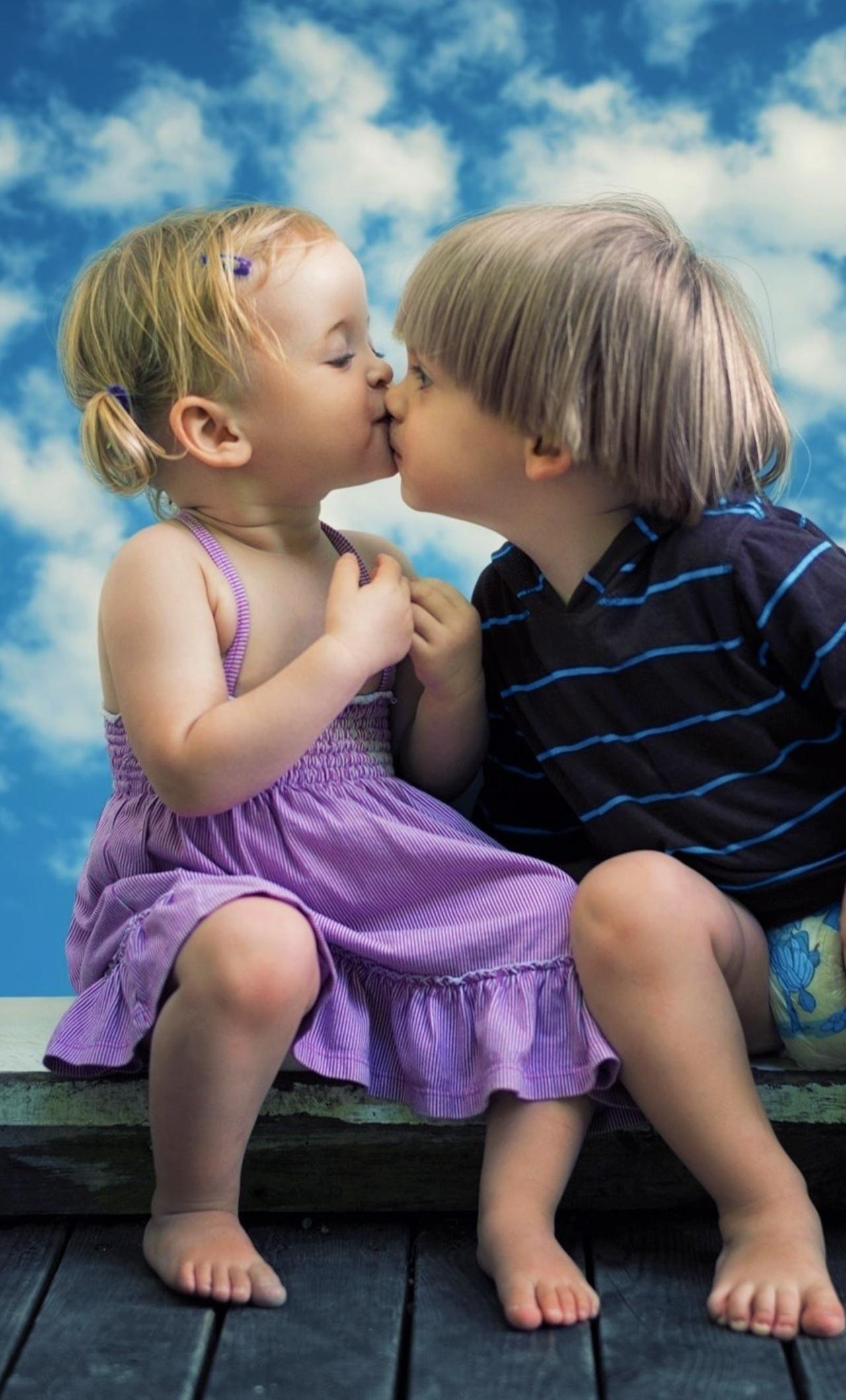 1280x2120 little boy little girl cute kiss iphone 6 hd 4k little boy little girl cute kiss oeg altavistaventures Images
