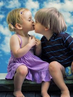 little-boy-little-girl-cute-kiss-oe.jpg