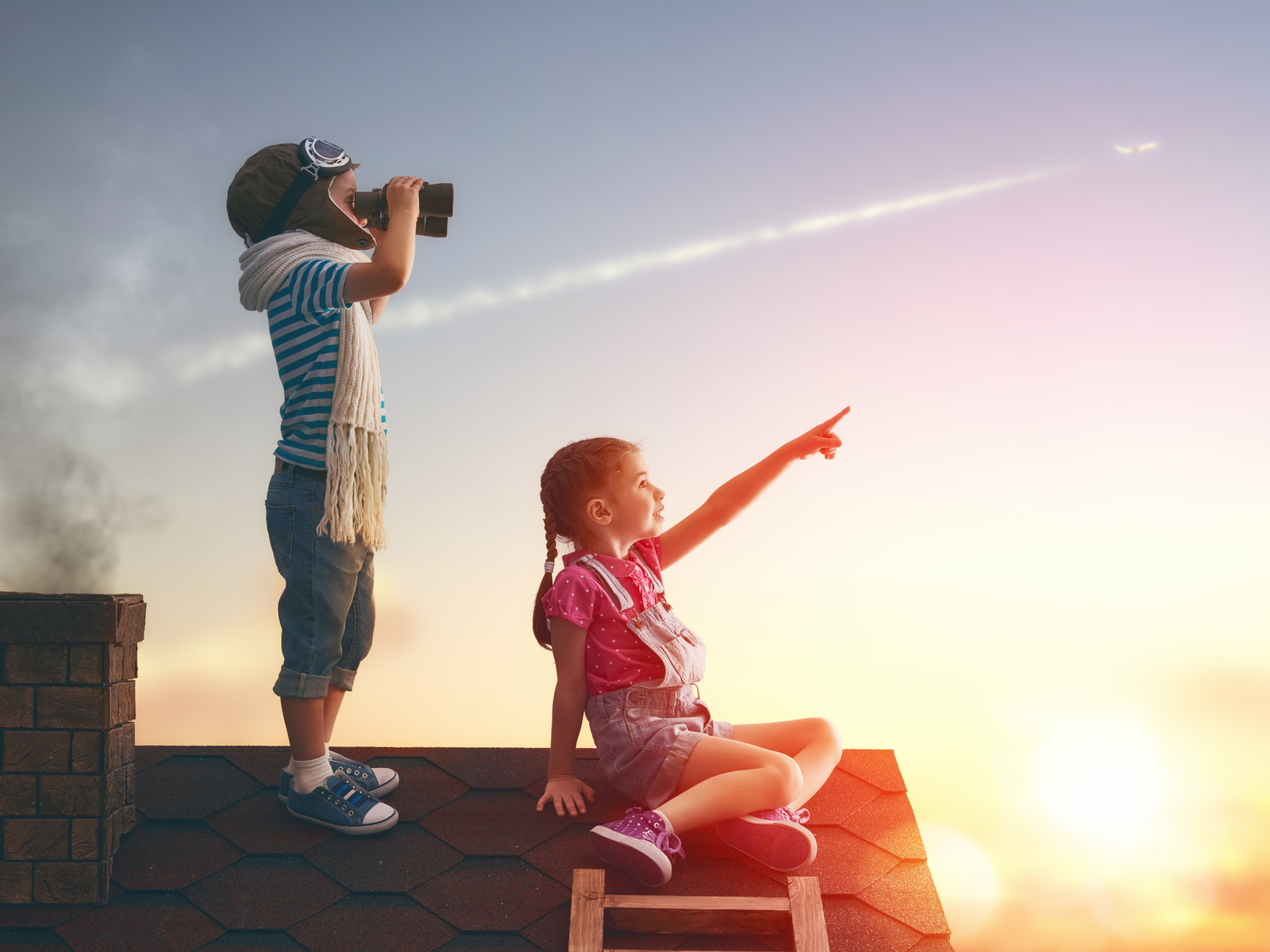 little-childrens-on-roof-watching-sky-gg.jpg