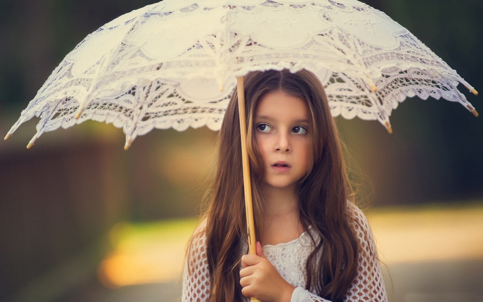 little-girl-with-umbrella-ff.jpg